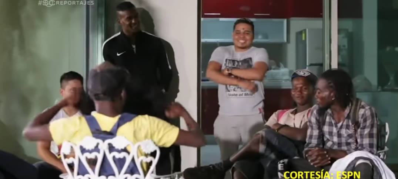 Brayan Beckeles Ayuda A Los Migrantes en México