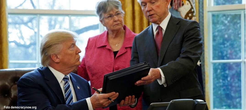 Presidente Donald Trump Firma Nuevas Órdenes Ejecutivas En Materia De Crimen E Inmigración