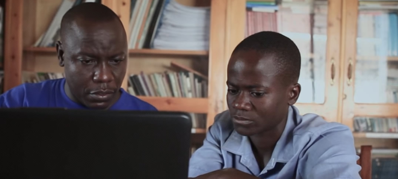 Refunite: Tecnología que Reagrupa a las Familias de Refugiados