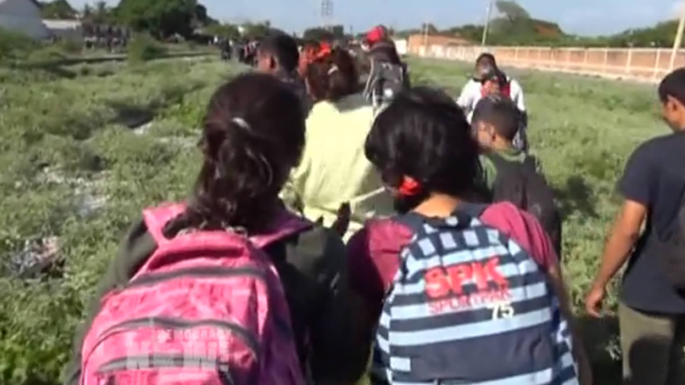 Los Niños Que Cruzan La Frontera Viven