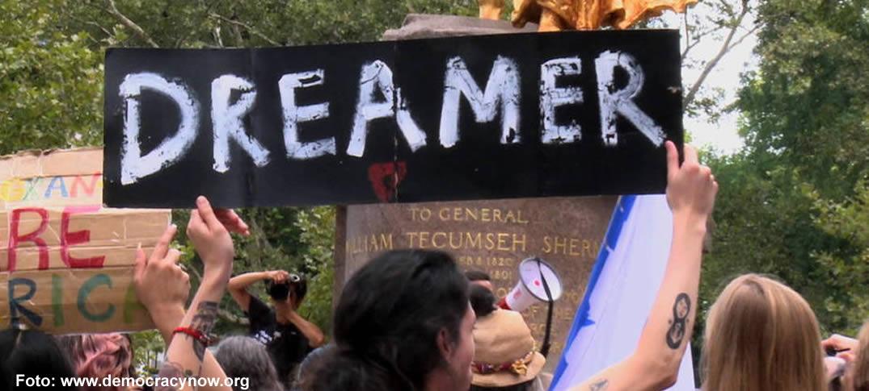 Inmigrantes Indocumentados Demandaron Al Gobierno De Donald