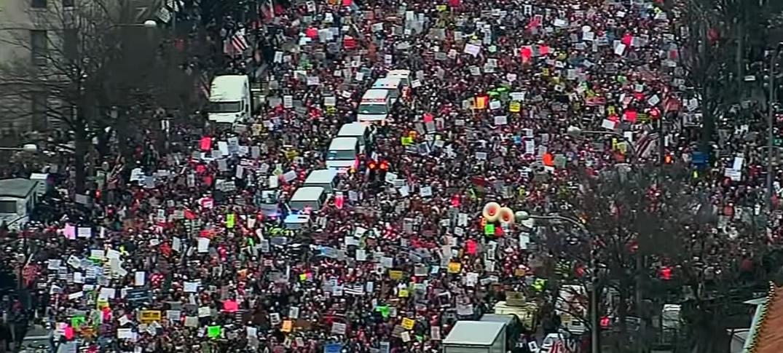 Marcha de Mujeres Opositoras a Donald Trump Superó Número de Asistentes a Su Posesión