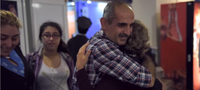 Familia Argentina Alberga en su Casa a Familia Siria