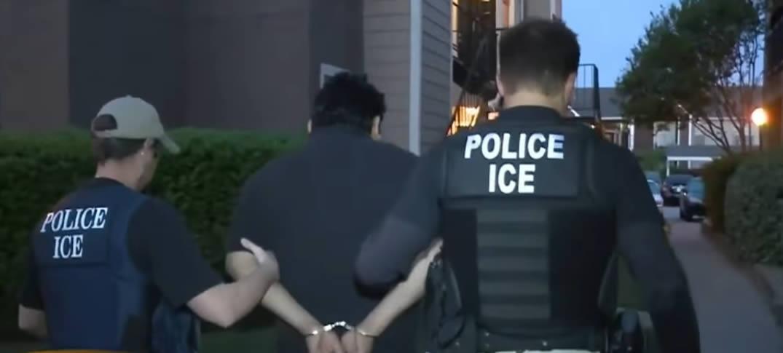 ¿Cómo Funcionan Los Operativos De ICE Para Detener a Inmigrantes En Las Cortes?