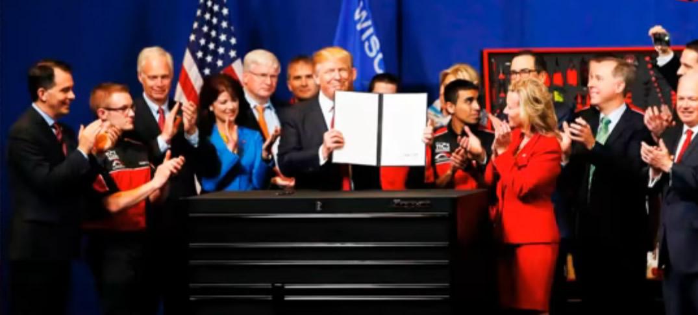 Donald Trump Firma Orden Para Reformar Visas De Trabajo